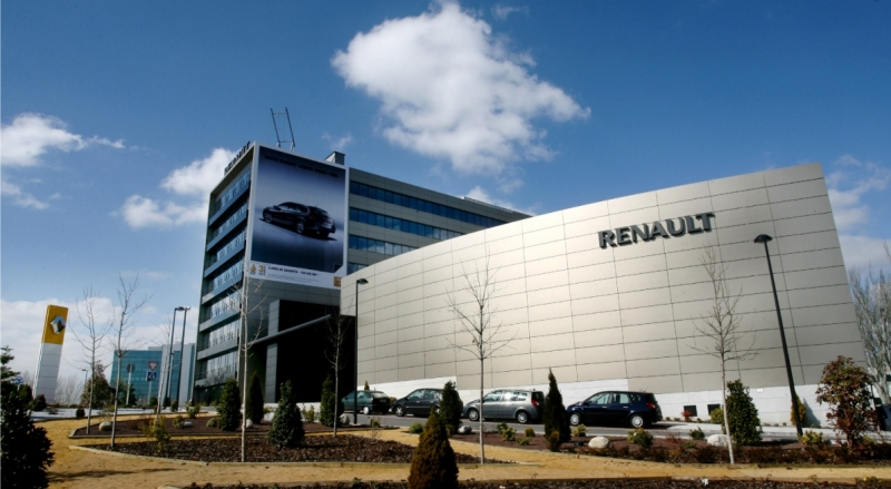 Renault_15.jpg